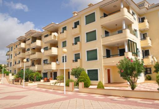 Apartment - Resale - Orihuela Coast - Campoamor. Campoamor golf course
